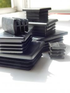 Заглушка пластиковая для трубы размером 40х40 от производителя